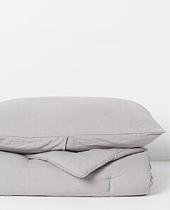 Serra microfibre quilt and pillowcase set- light grey