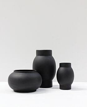 Arena vase - black