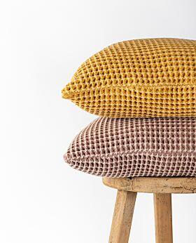 Claude waffle cushion - blush