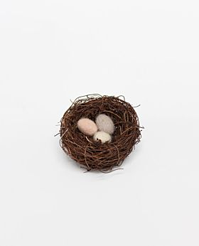 Meadow felted wool eggs in nest