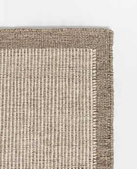 River wool rug natural