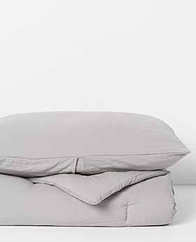 Serra microfibre quilt and pillowcase set- light grey